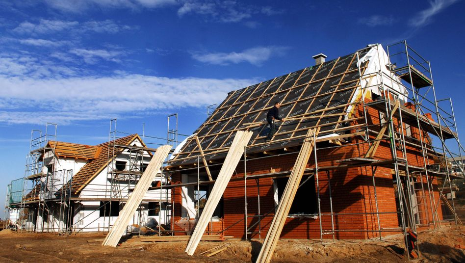 Hausbau: Ohne Bankkredit geht es selten. Nun kommt Bewegung in die Kreditbranche