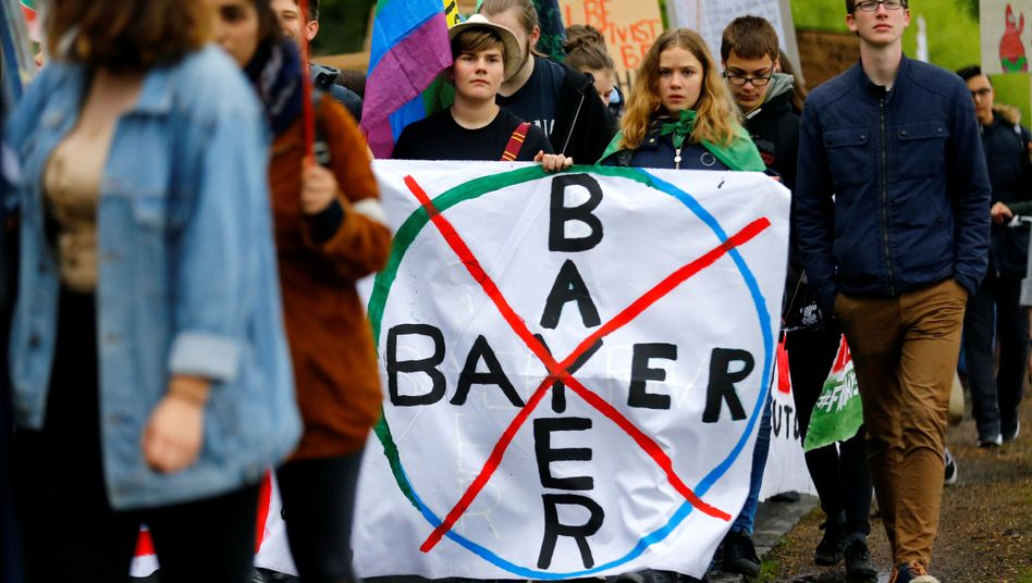 Der Protest gegen Bayer hört nicht auf