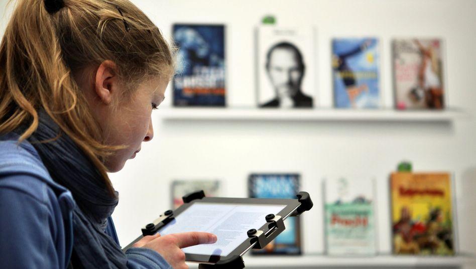 Besucherin auf der Buchmesse Leipzig: E-Books legen zu