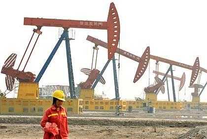 Ölförderung: Die Nachfrage nach dem Rohstoff zieht wieder an - und lässt den Preis steigen