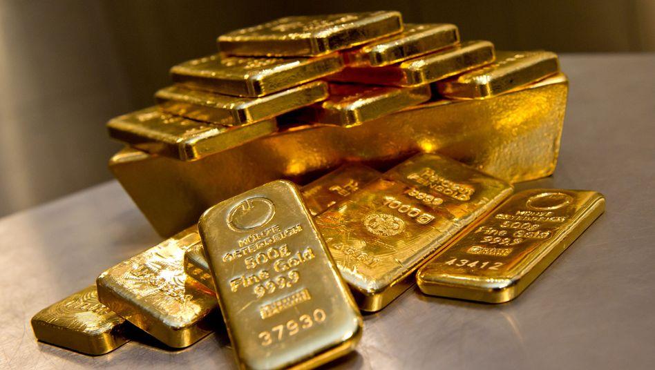 Derzeit wieder im Trend: Goldbarren verteuerten sich zuletzt merklich.