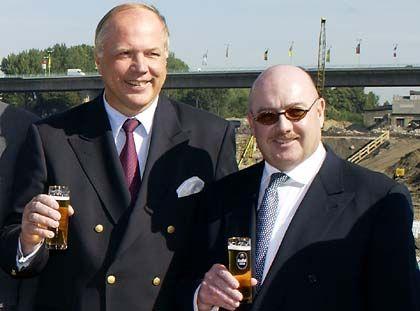 Feine Gesellschaft: Baumogul Esch (r.) verstrickte die Bank in dubiose Deals