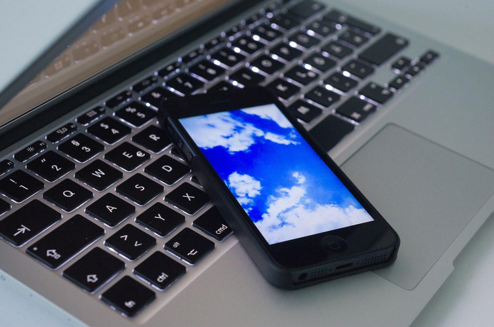 EINMALIGE VERWENDUNG Backups: So sichern Sie Daten von Smartphone und Tablet