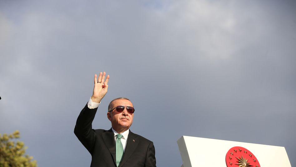 Der türkische Präsident Recep Tayyip Erdogan will Menschen für negative Kommentare zur Wirtschaft bestrafen