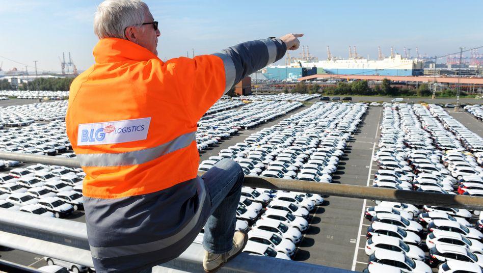 Autoterminal in Bremerhaven: Schwächelt die Autoindustrie, schwächelt die deutsche Wirtschaft