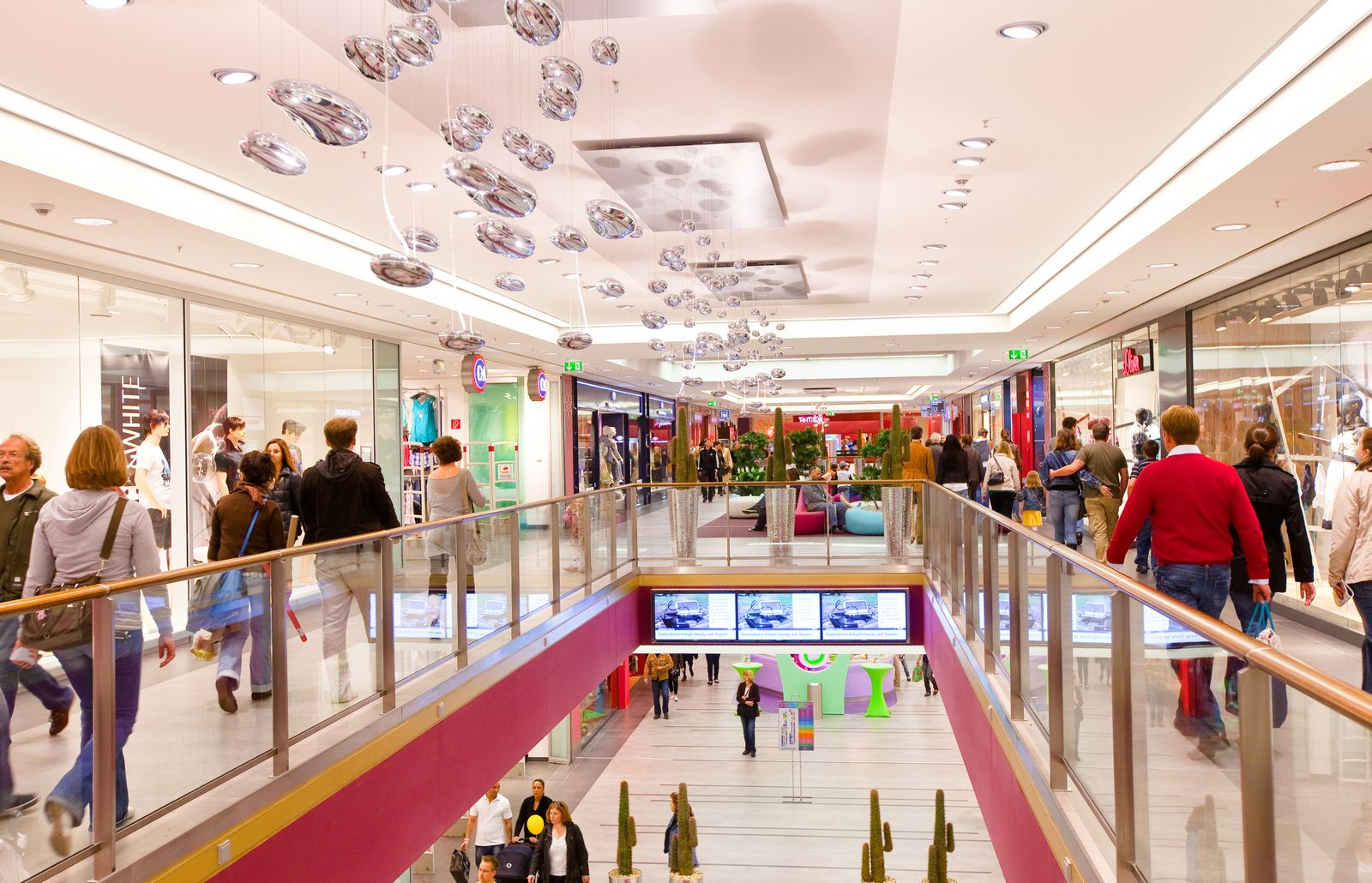 ECE Einkaufszentrum / hamburger meile