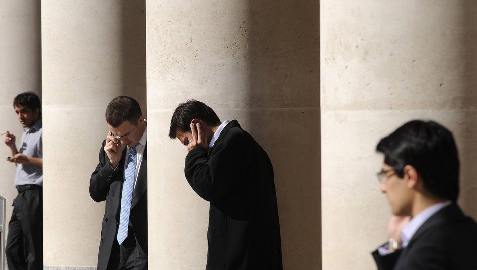 Broker an der Londoner Börse: In die Versicherungs- und Finanzbranche kommt Bewegung