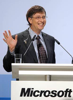 """Gates in Ingolstadt: """"IT-Kompetenz entscheidet in der globalen Wissensgesellschaft über die beruflichen Chancen von Arbeitnehmern"""""""