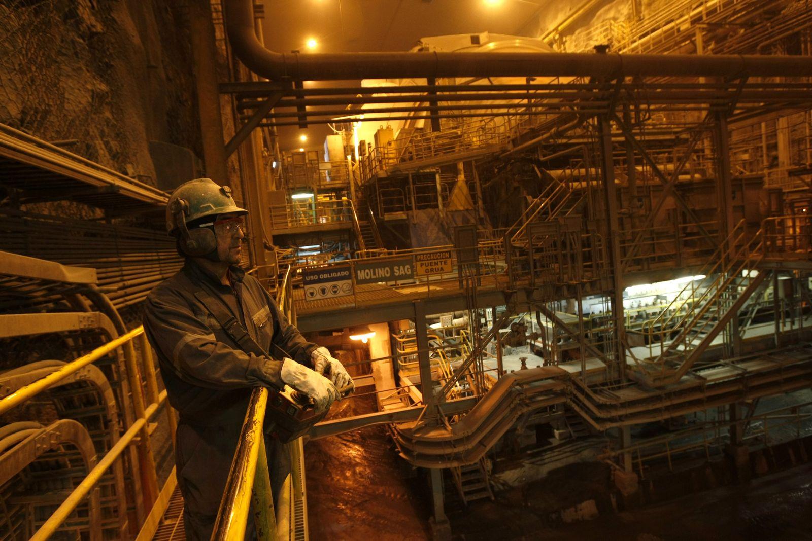 Kupfer / Bergwerk / Chile