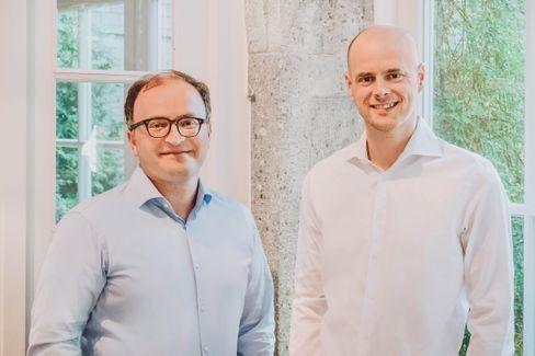 Einst Wettbewerber, jetzt Partner: Raisin-Chef Tamaz Georgadze (links) und Tim Sievers, Chef von Deposit Solutions.