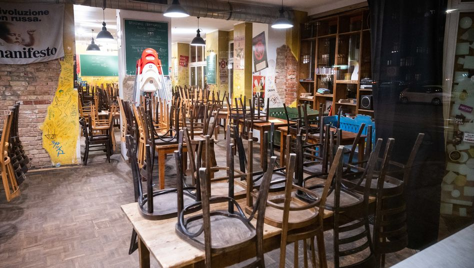 Geschlossenes Restaurant: Gastronomen müssen ihre Läden auch weiterhin geschlossen halten