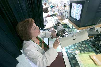 Ganggenauigkeit: Zur Prüfung wird neuzeitliche Elektronik eingesetzt.