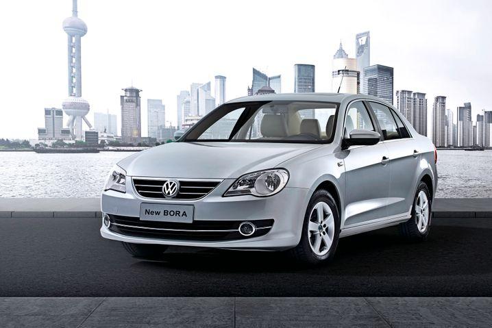 VW New Bora: Die erste Generation war noch eine wilde Mischung, nun sieht der Wagen schon etwas ausgeglichener aus