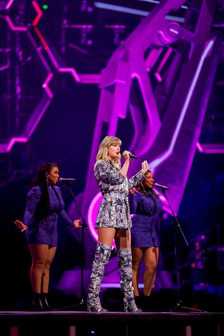 "Single-Charts: US-Star Taylor Swift kurbelte den ""Singles' Day"" für Alibaba an."