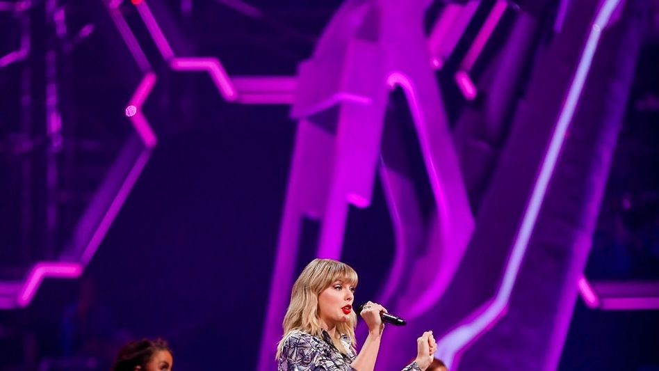Auch Taylor Swift bewarb den Singles' Day 2019 - und half mit, dass Alibaba mit seinem Tagesumsatz den US-Konkurrenten Amazon düpierte