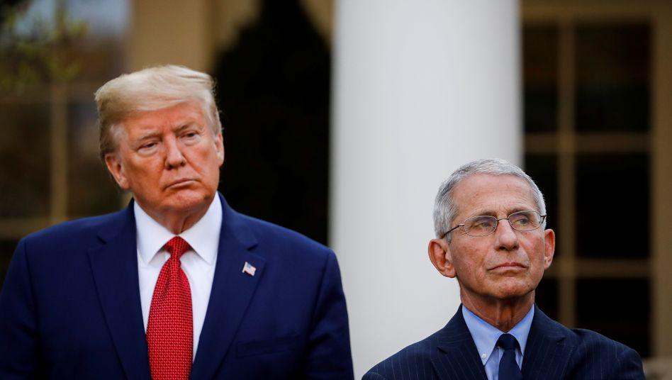 US-Präsident Donald Trump and NIAID-Chef Anthony Fauci: Die Krankheitsdauer wird mit Hilfe von Remdesivir ersten Studienergebnissen zufolge von durchschnittlich 15 auf 11 Tage verkürzt
