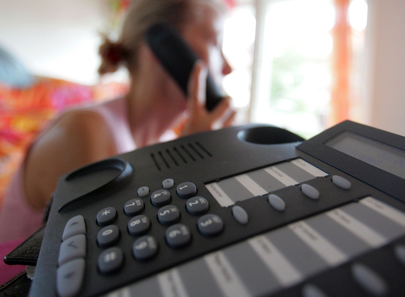 Telefon-Abzocke / Warteschleife