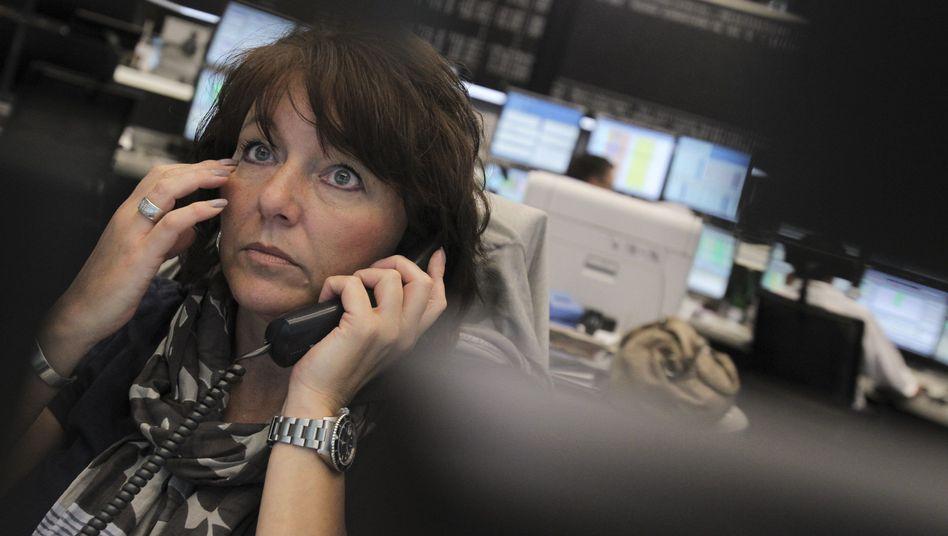 Börse in Frankfurt: Aktionäre durchleben ungemütliche Zeiten