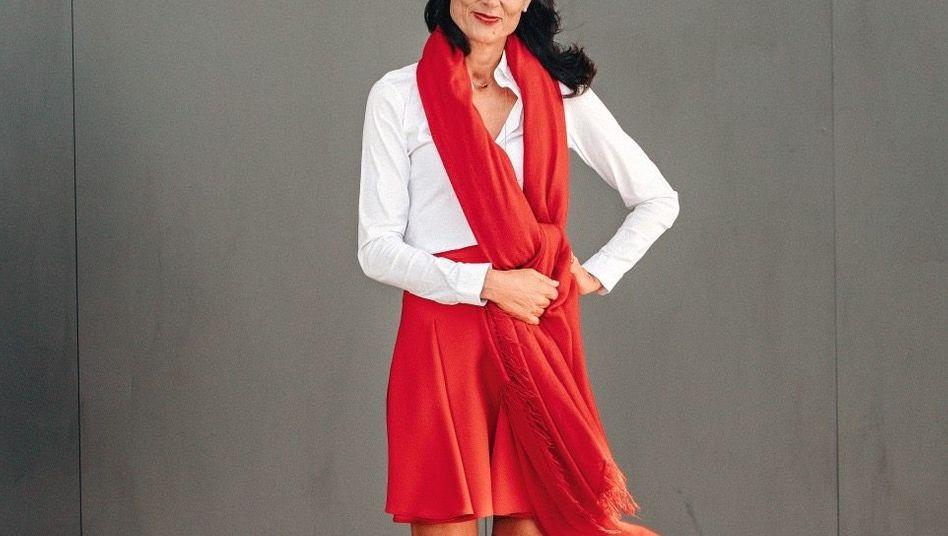 Eine Frau trägt Rot: Natalie Mekelburger führt den Mittelständler Coroplast.