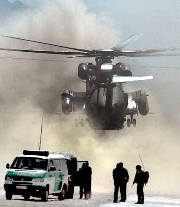 Kabul: Isaf-Helikopter am Anschlagsort