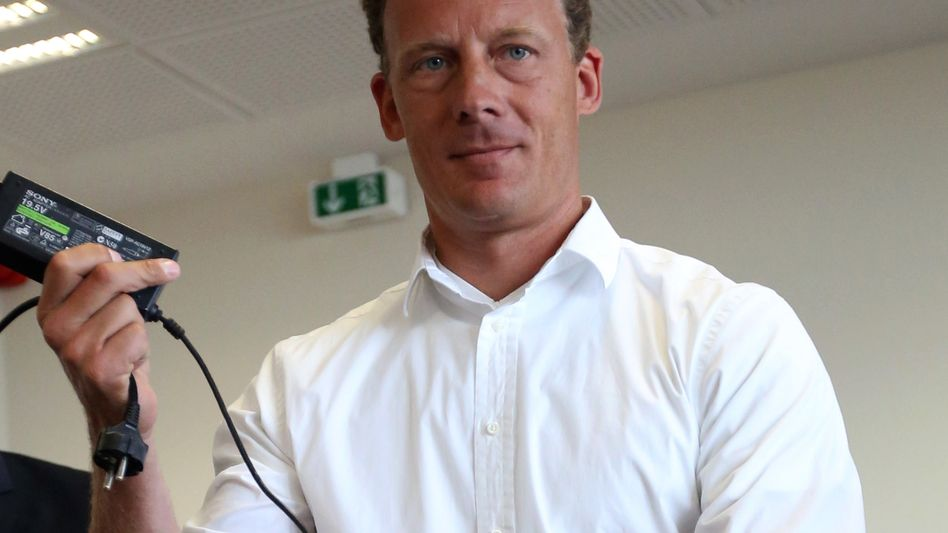 Alexander Falk: Der Stadtplan-Erbe wurde 2008 wegen versuchten Betrugs und Bilanzfälschung zu vier Jahren Haft verurteilt