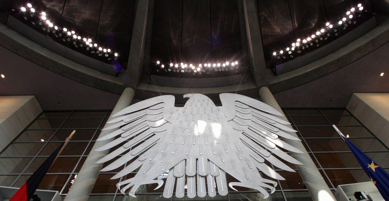 NICHT VERWENDEN Bundesadler / Plenarsaal / Deutsche Bundestag