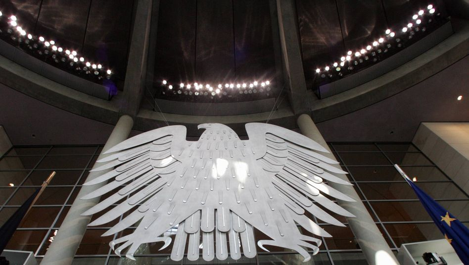 Bundesadler unterm Pleitegeier: Muss Deutschland für acht Billionen Euro Staatsschulden in Europa einstehen?