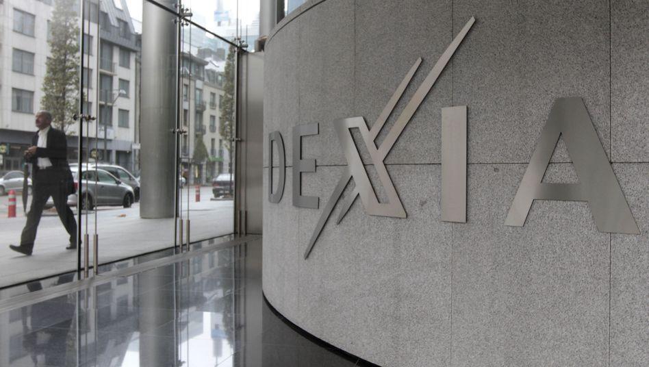 Grau in grau: Die Dexia-Bank schafft es nicht mehr ohne fremde Hilfe