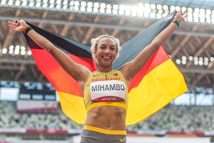Sieben Meter zum Gold: Ausnahmeathletin Malaika Mihambo nach ihrem Sieg in Tokio
