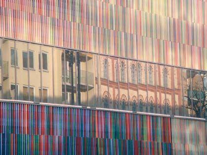 Farbspiel: Das Museum Brandhorst nimmt in seiner Außenfassade Töne der umliegenden Gebäude auf