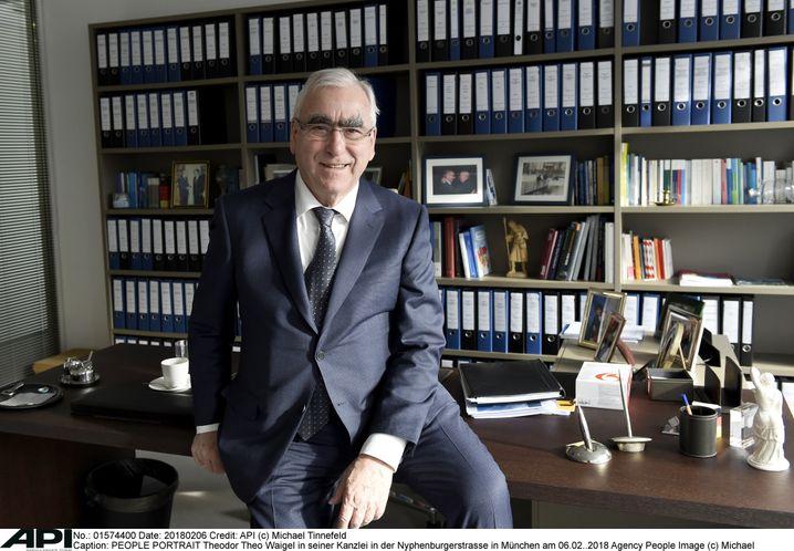 Ex-Finanzminister Theo Waigel, hier in seiner Münchener Kanzlei
