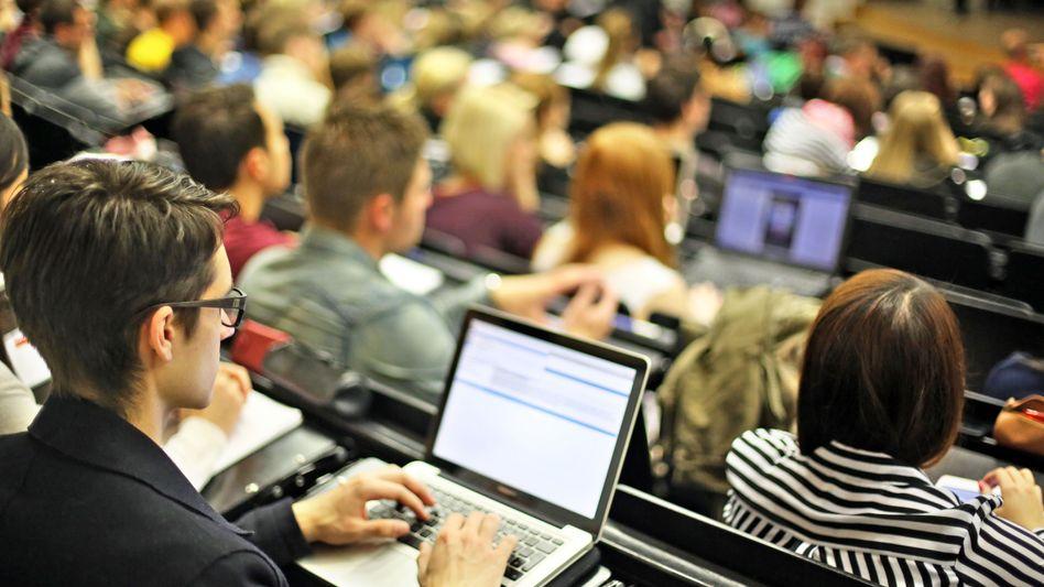 Studenten in Leipzig: Nur 27 Prozent der 25- bis 64-Jährigen in Deutschland haben einen Hochschulabschluss. Der OECD-Schnitt liegt bei 33 Prozent