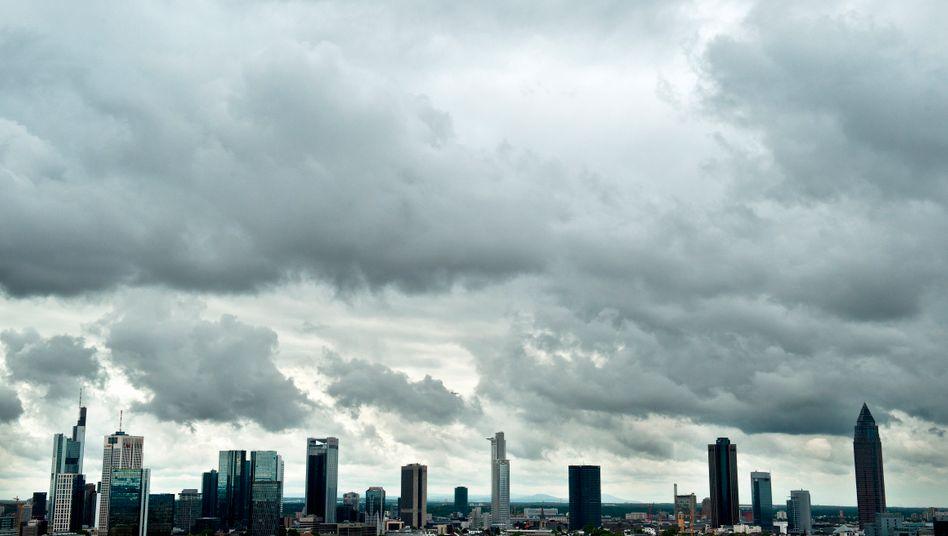 Bankenviertel Frankfurt: Die meisten Geldinstitute in Deutschland verdienen ihre Eigenkapitalkosten nicht, stellt die Managementberatung Bain in einer Langzeitstudie fest