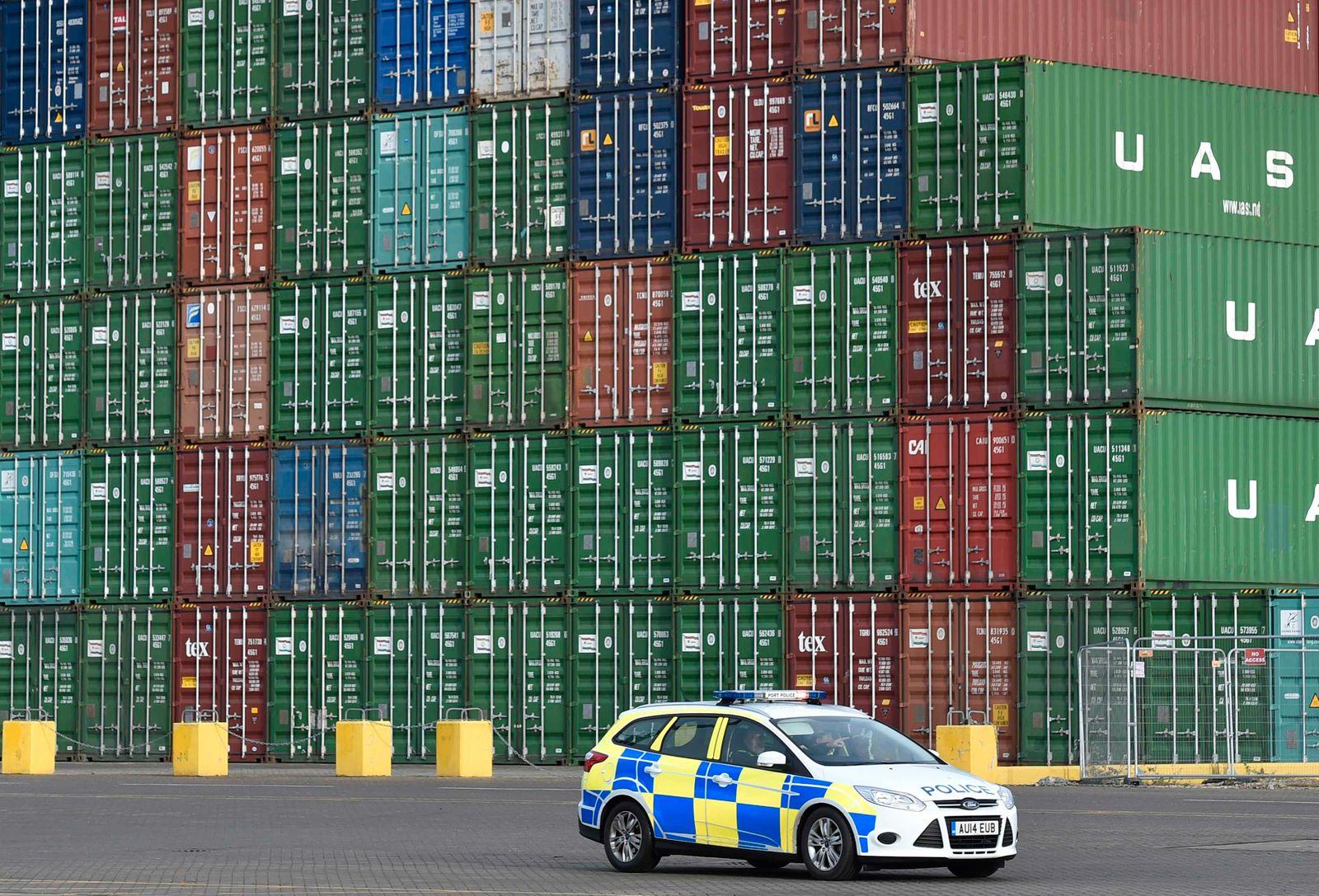 CSCL Globe Containerschiff