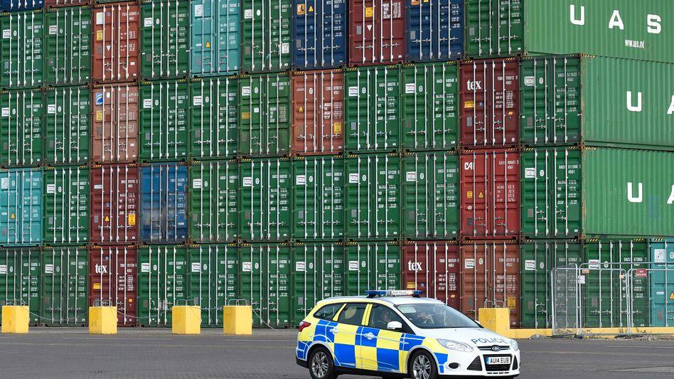 Containerhafen im britischen Felixstowe: Waren aus China zum Schleuderpreis in England verzollt - zum Schaden der Empfängerländer wie Deutschland, Spanien und Frankreich
