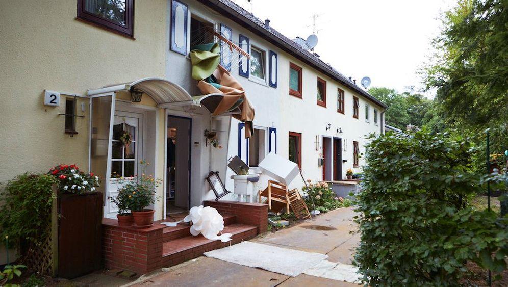 """Anwalt lässt Reihenhaus zerstören: """"Das Haus kotzt sich aus"""""""