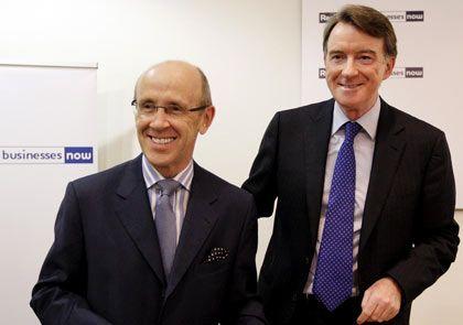 Wird Minister: Banker Davies (l.), hier mit Staatssekretär Peter Mandelson