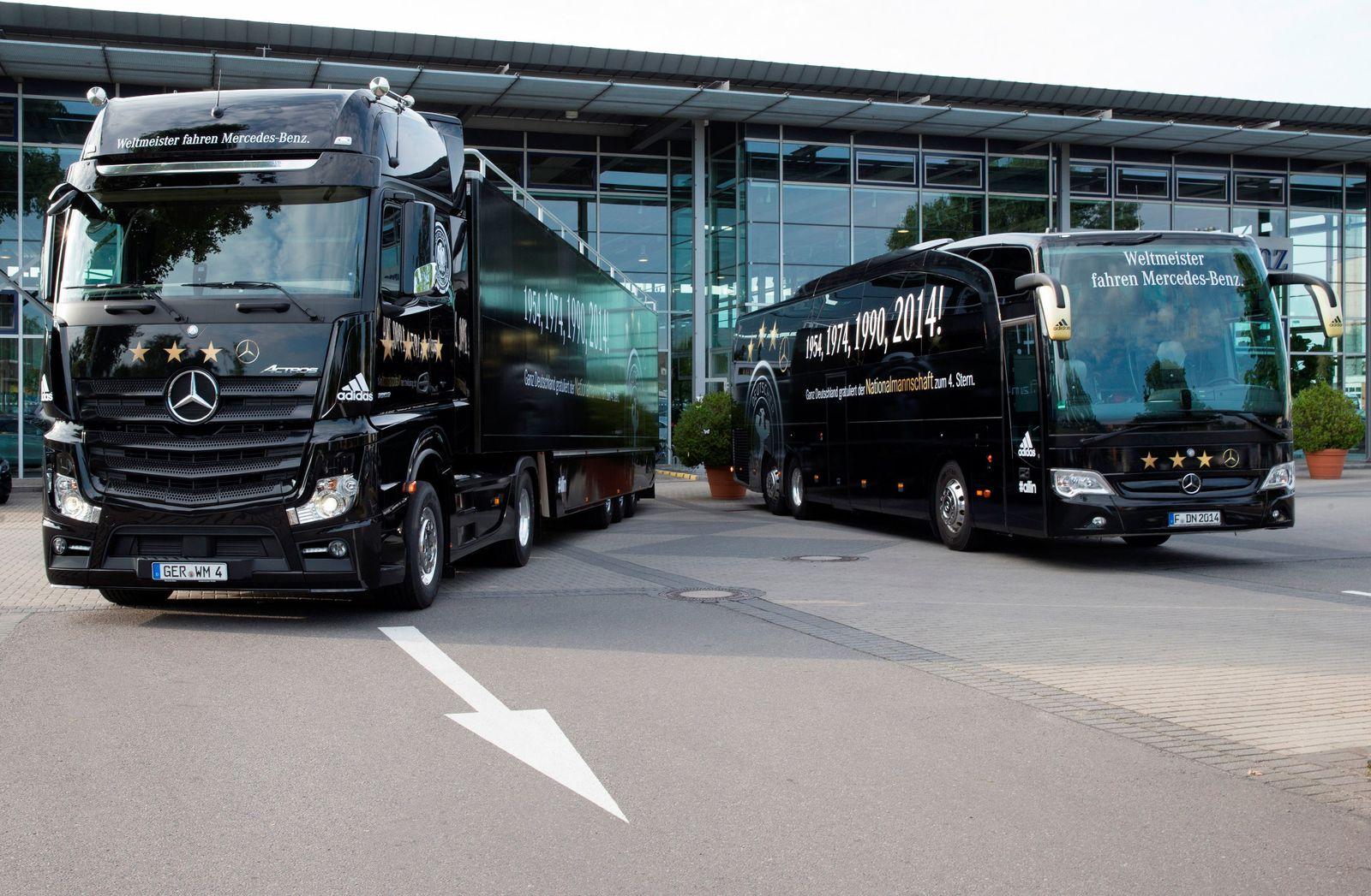 World Cup 2014 - WM-Truck und Mannschaftsbus des DFB-Teams