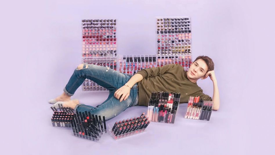 Lipstick Brother: Der Chinese Austin Li Jiaqi ist einer der Stars im Livestream-Marketing über die Plattform Taobao. In fünf Minuten verkaufte er einst 15.000 Lippenstifte.