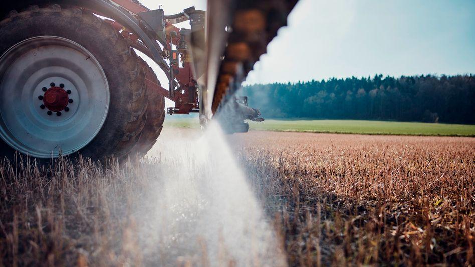 Landwirtschaft in Deutschland: GPS-basierte Lenksysteme und Nah-Infrarot-Sensoren können dabei helfen, Überdüngung zu vermeiden und den Einsatz von Pflanzenschutzmitteln zu verringern
