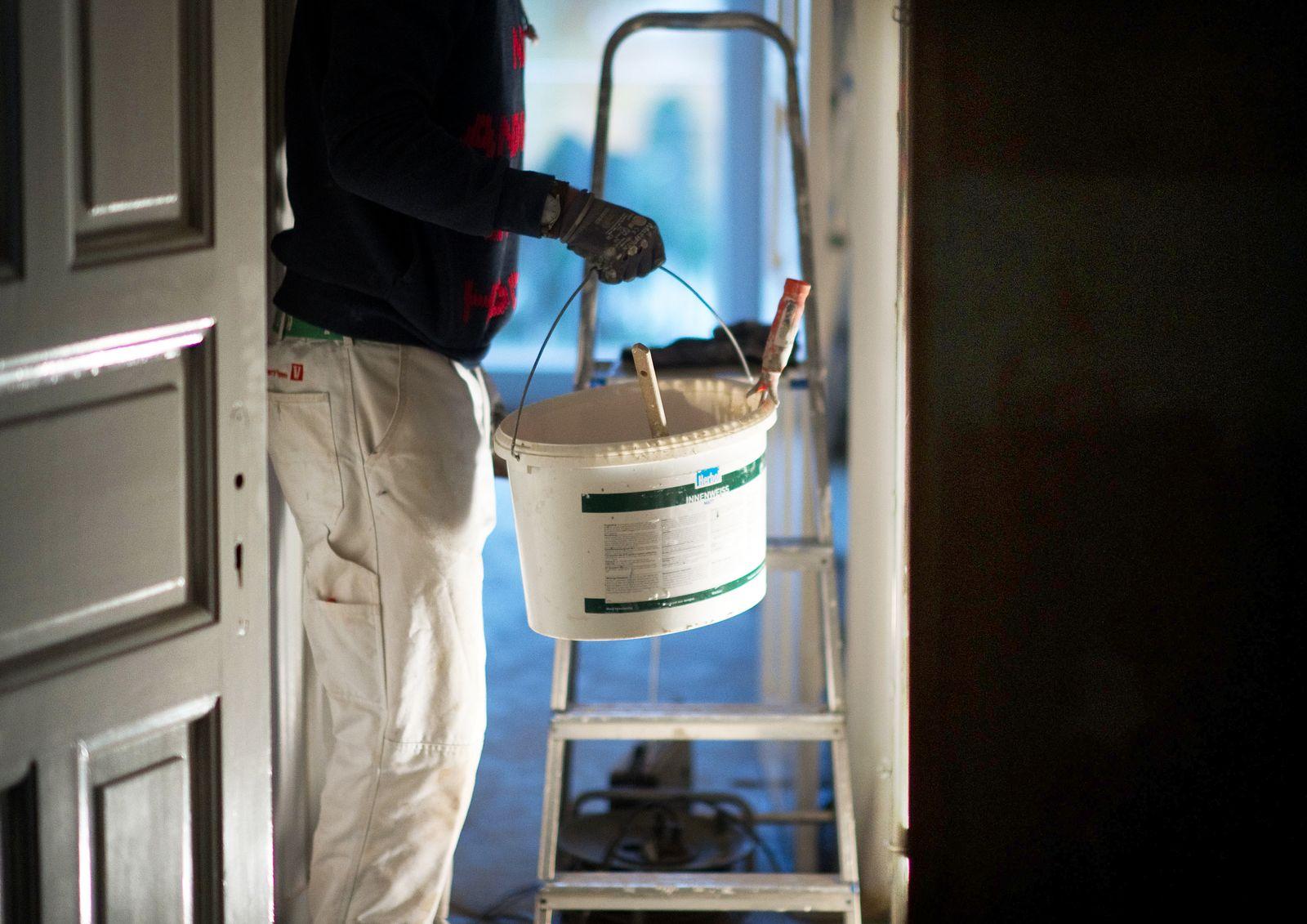 Handwerker / Wohnung / Renovierung / Maler