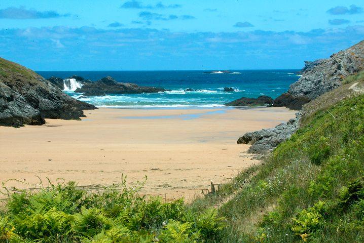 Strand in der Bretagne: Wilde Atlantikküste