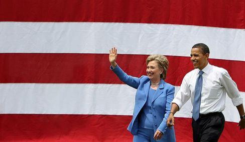 Wird US-Außenministerin: Clinton, hier mit dem künftigen US-Präsidenten Obama