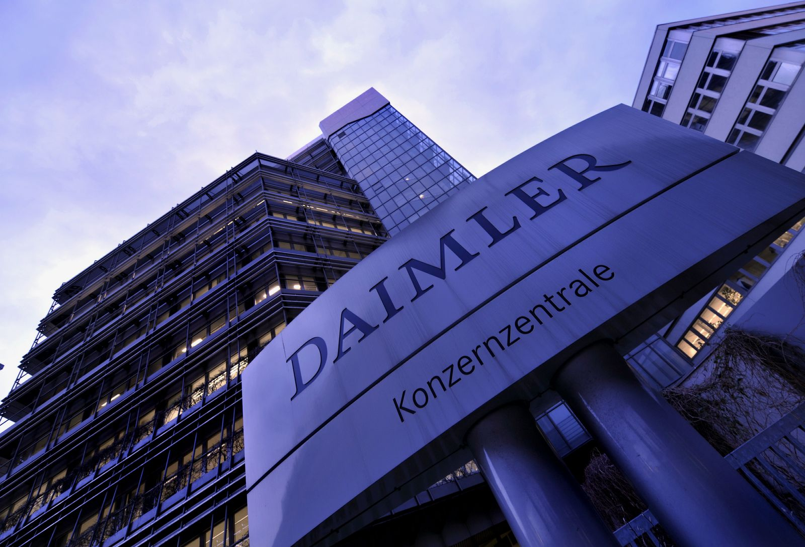 NICHT VERWENDEN Daimler / Konzernzentrale Untertürkheim