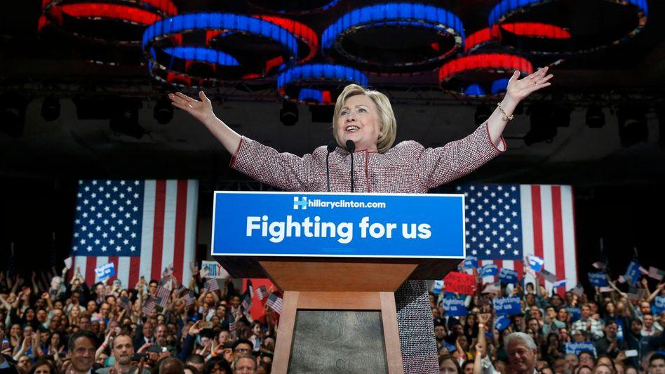 Hillary Clinton: Endspiel gegen Trump rückt näher