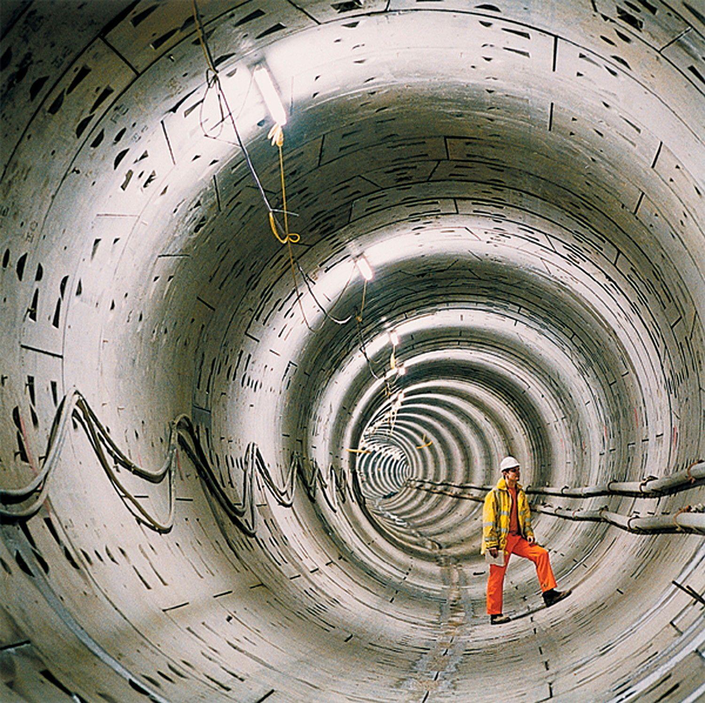 Arbeiter im Tunnel
