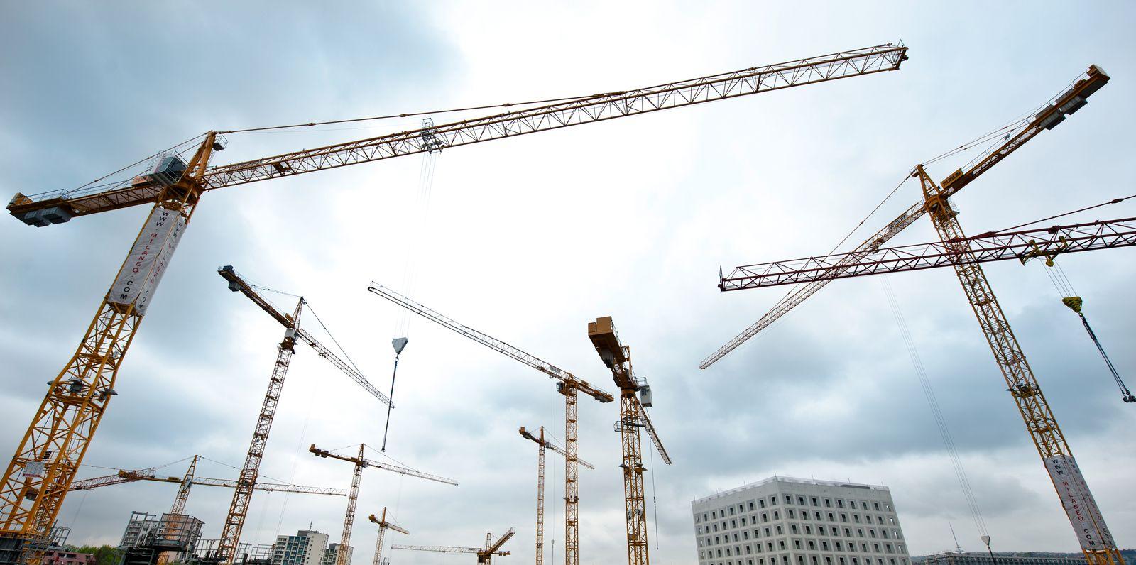 Konjunktur/ Wirtschaft/ Baukräne in Stuttgart