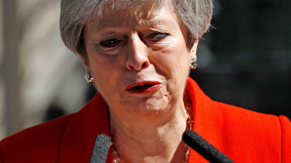 Der Kampf ist zu Ende, die Emotionen haben freien Lauf, alles fällt von ihr ab: Theresa May kündigt ihren Rücktritt an