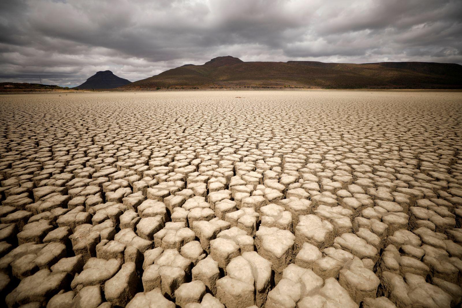 Trockene Erde / Klimawandel