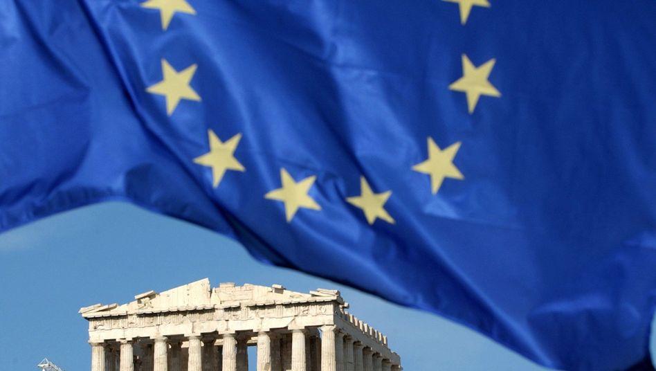 EU-Flagge über der Akropolis in Athen: Deutsche Politiker wollen nicht schon wieder Geld für die Griechen lockermachen